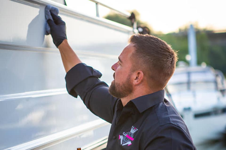 Boot Pflege Innen und Aussen